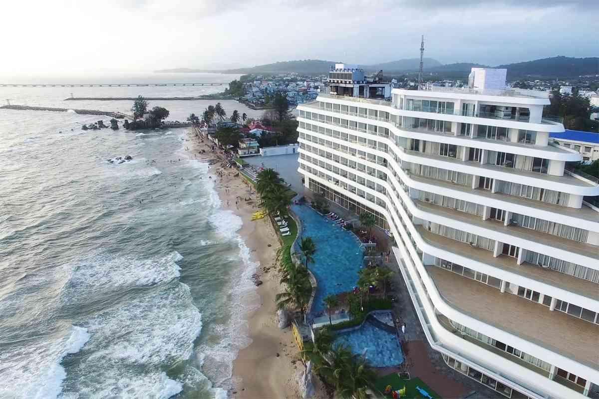 một bãi biển Phú Quốc bên khách sạn Seashells