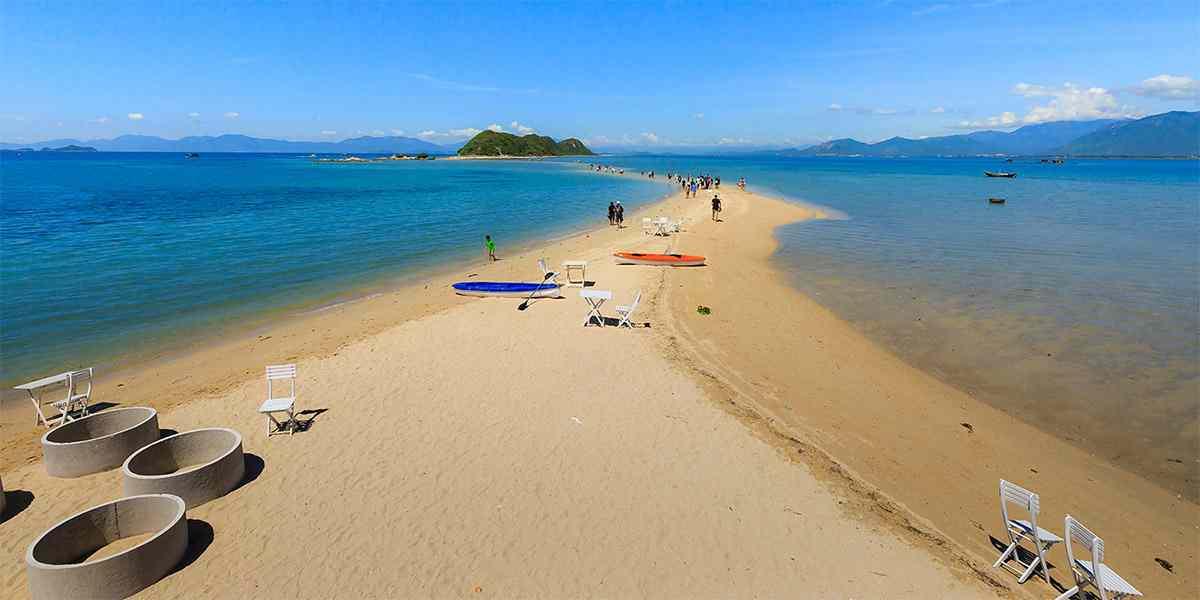 Đảo Điệp Sơn nằm trong Vịnh Vân Phong