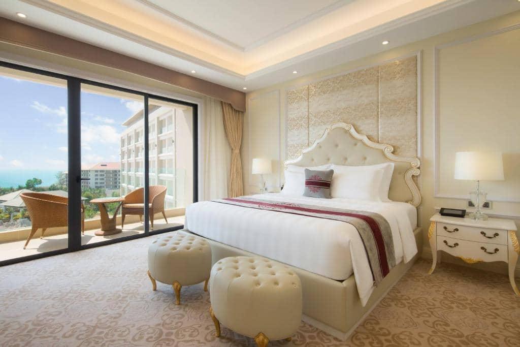 Phòng Junior Suite VinOasis Phú Quốc