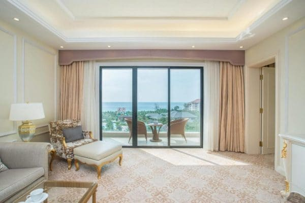Phòng Junior Suite VinOasis